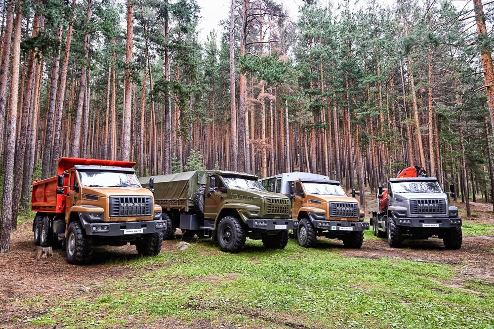 Фото семейство грузовиков Урал-Next