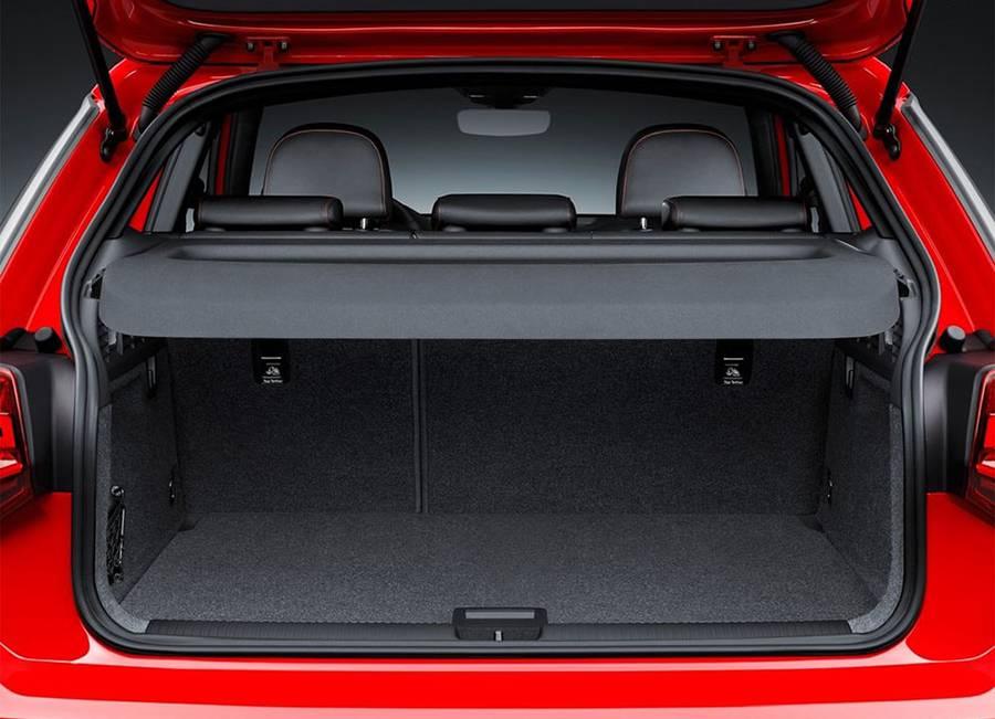 Фото багажное отделение Audi Q2 2016-2017 года