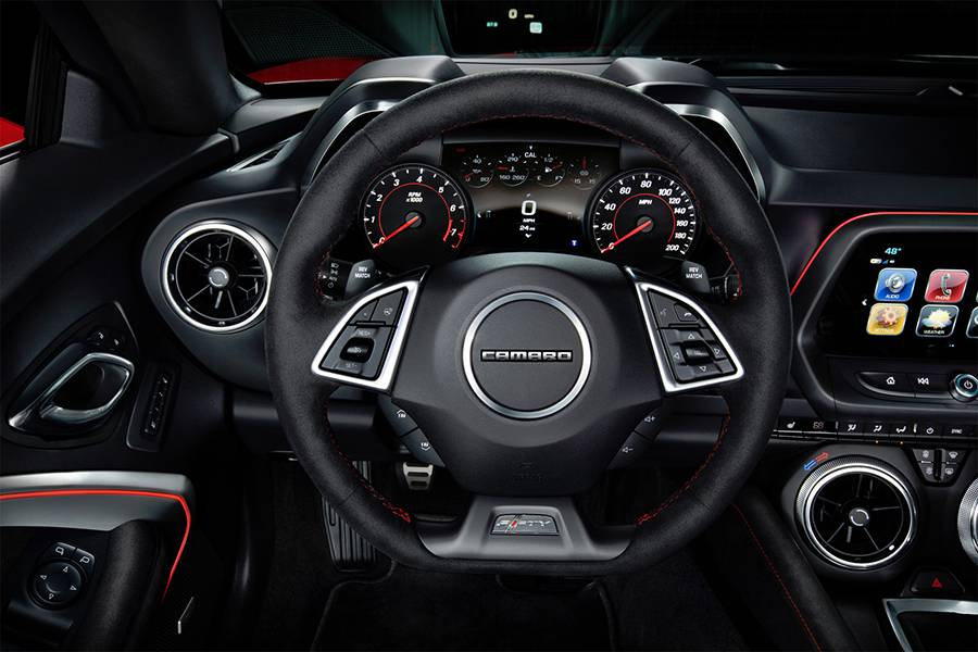 Фото салона Chevrolet Camaro ZL1 6-го поколения