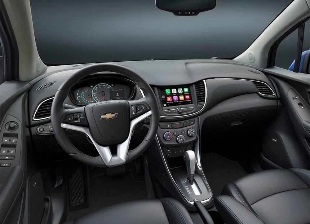 Фото интерьера Chevrolet Trax 2016-2017