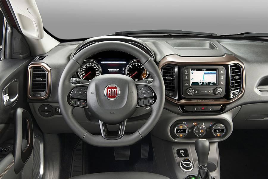 Салон Fiat Toro 2016-2017 года - фото