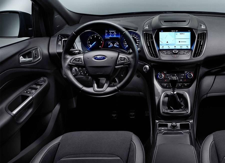 Интерьер Ford Kuga 2016-2017 года - фото