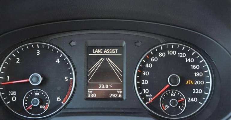 фото Lane Assist система помощи движения по полосе