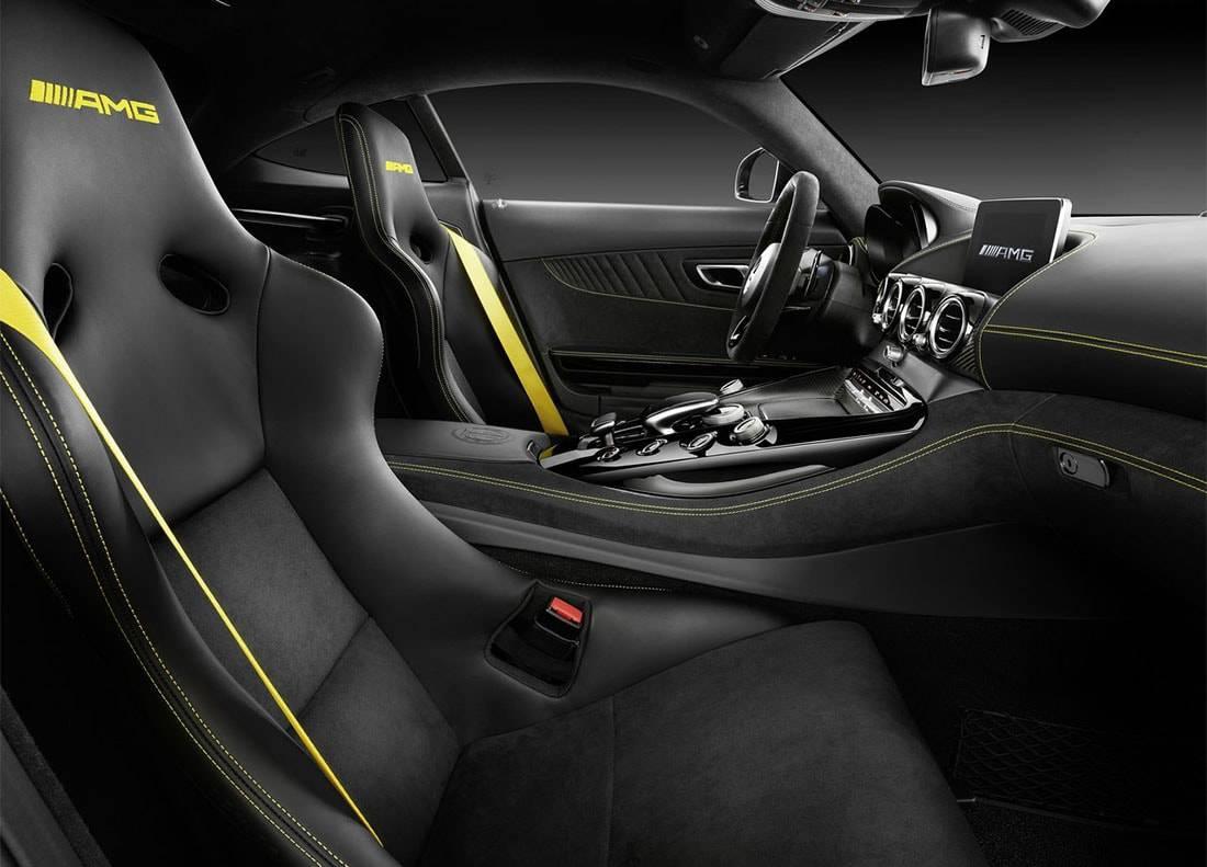 фото салона Mercedes-AMG GT R 2016-2017 года