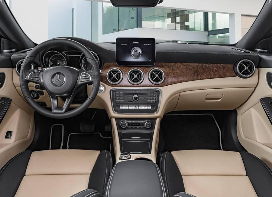 Фото интерьера Mercedes-AMG CLA