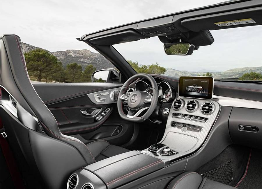 Фото салона Mercedes-Benz C-Class Cabriolet 2016-2017 года