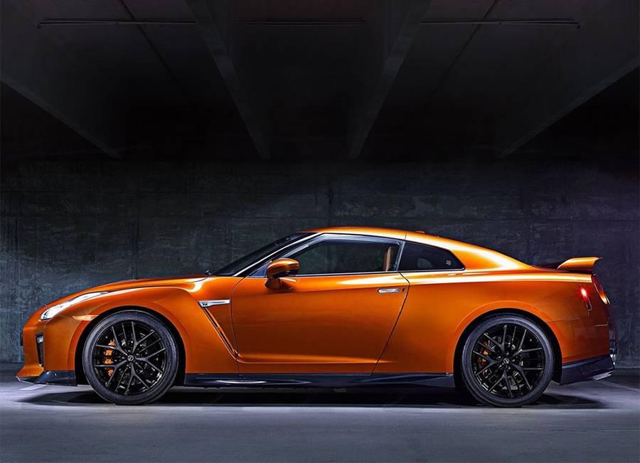 Фото Nissan GT-R 2016-2017 года