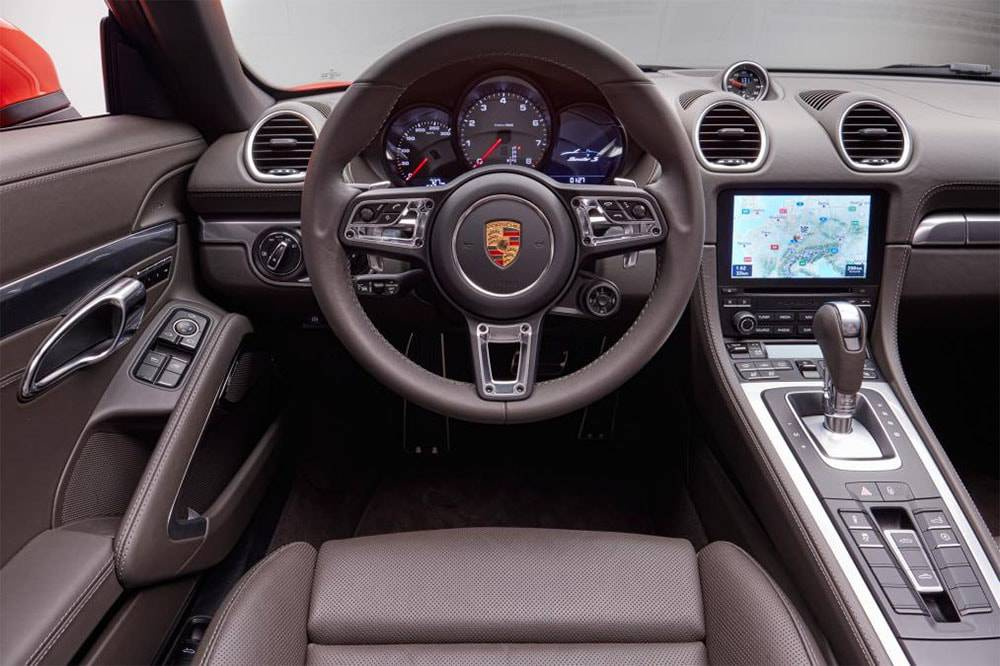 Фото интерьер Porsche 718 Boxster 2016-2017
