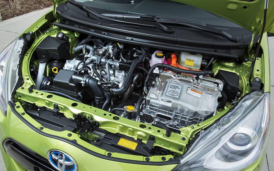Силовой агретат Toyota Prius C 2015-2016 года - фото