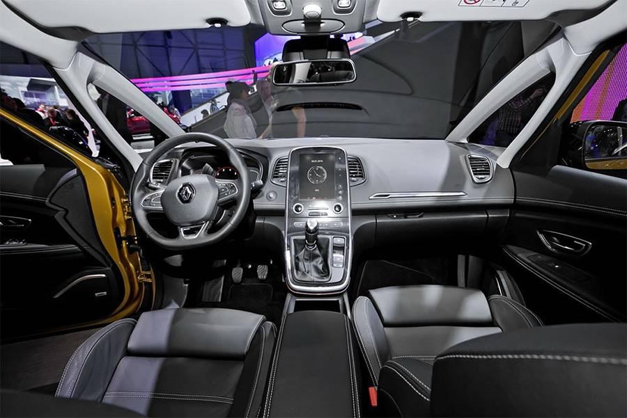 Фото интерьер Renault Scenic 2016