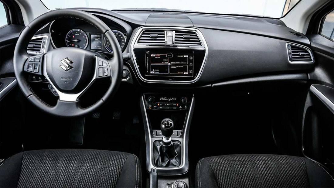 фото салона Suzuki SX4 2016-2017 года