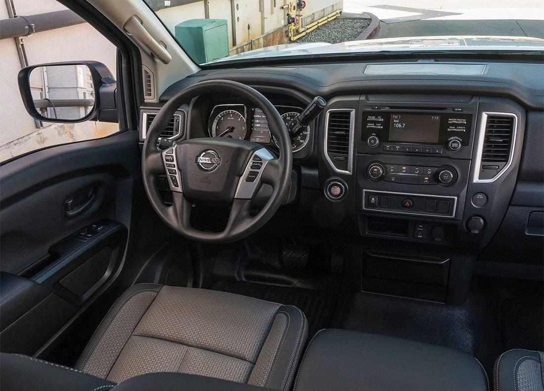фото салона Nissan Titan Single Cab 2017-2018 года