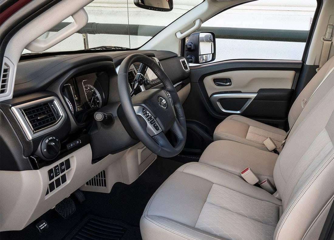 фото интерьера Nissan Titan Single Cab 2017-2018 года