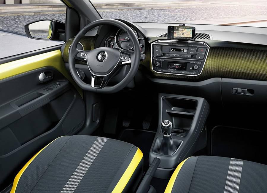 Фото интерьера Volkswagen up 2016