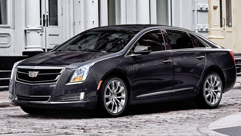 фото Cadillac XTS 2016-2017 года - вид спереди