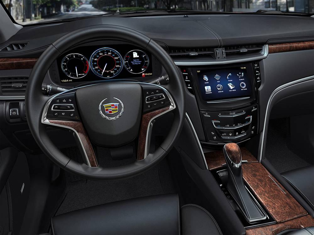 фото салона Cadillac XTS 2016-2017 года