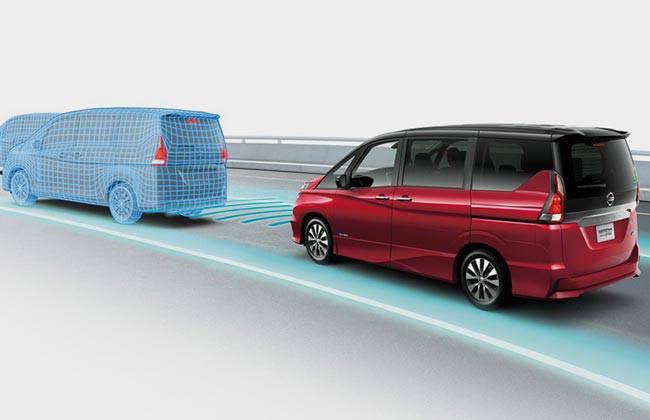 Nissan Serena с системой автономного управления ProPILOT