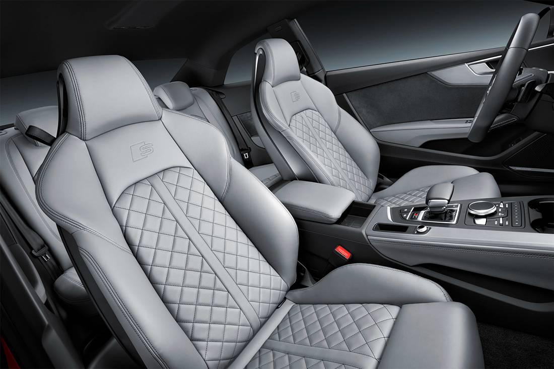 картинки интерьера Audi S5 Coupe 2017-2018 года