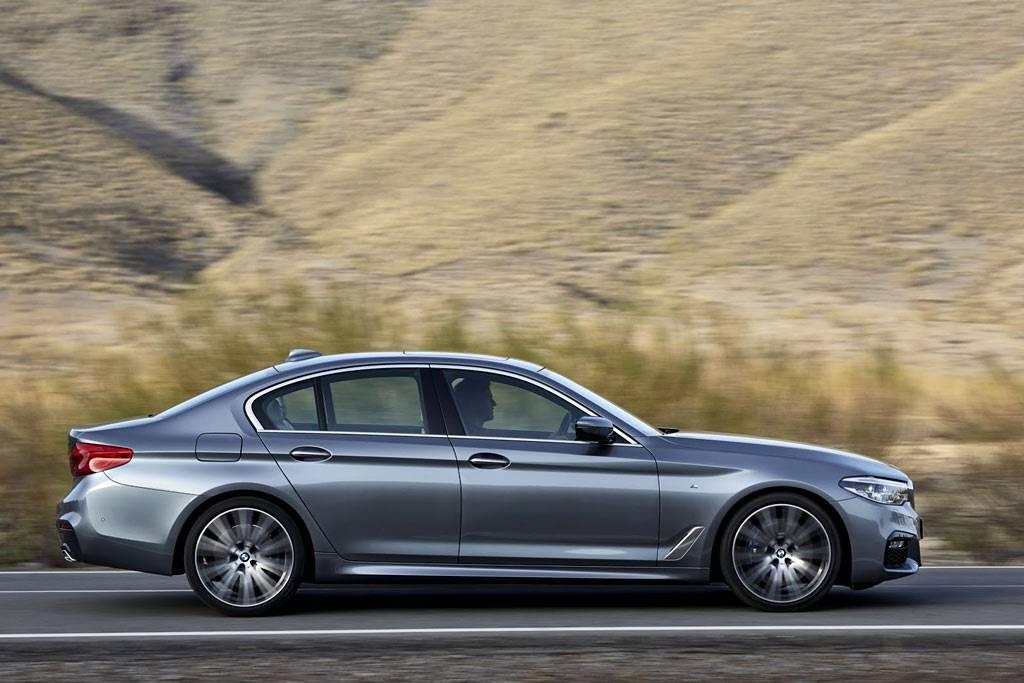 фото BMW 5-Series (G30) 2017-2018 года вид сбоку