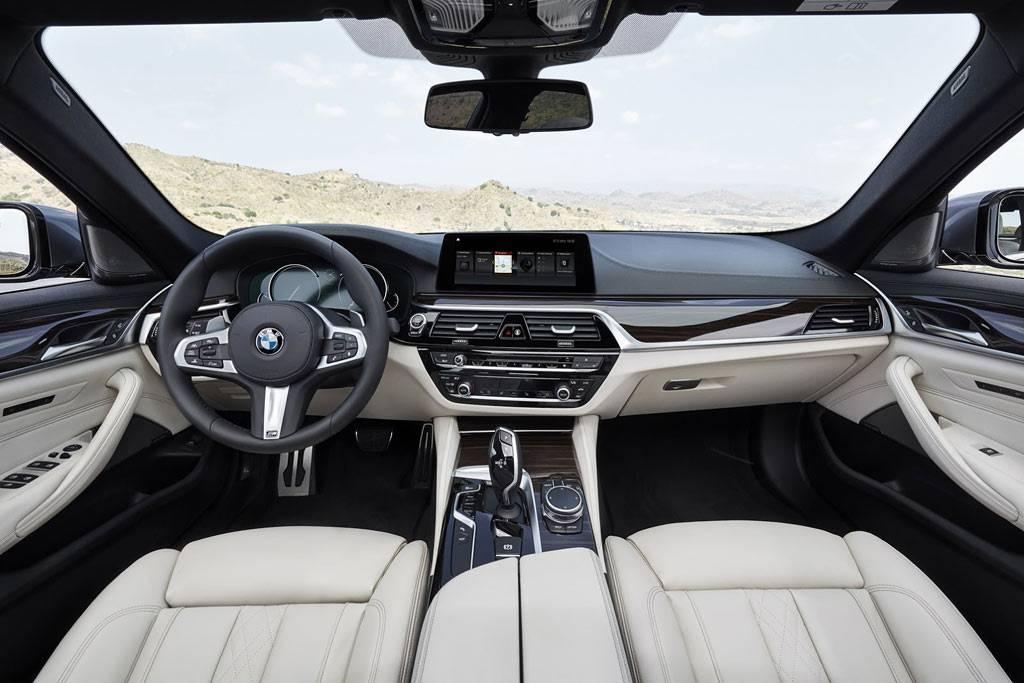 фото салона BMW 5-Series (G30) 2017-2018 года