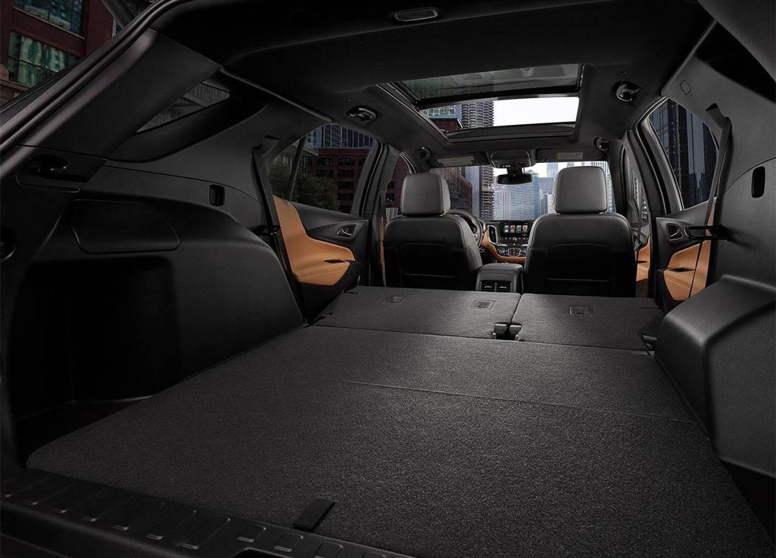 картинка интерьера Chevrolet Equinox 2017-2018 года