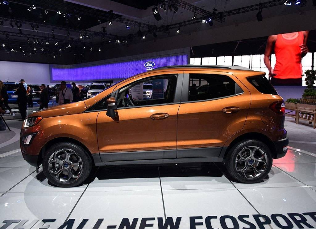 фото Ford EcoSport 2017-2018 года вид сбоку