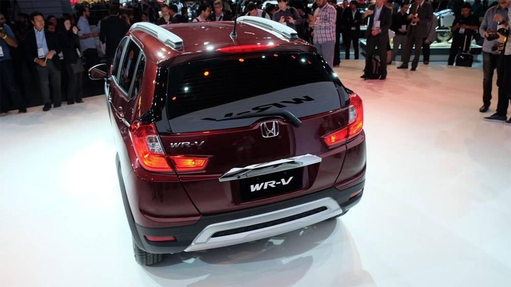 фото Honda WR-V 2017-2018 года вид сзади