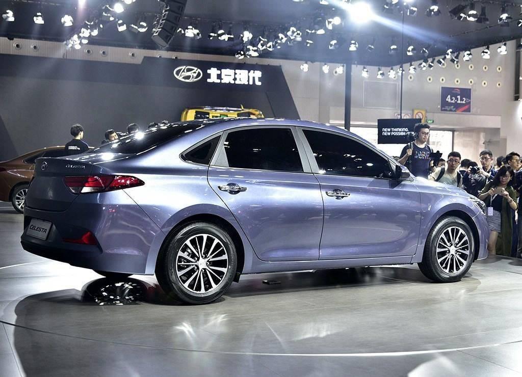 фото Hyundai Celesta 2017-2018 года вид сзади
