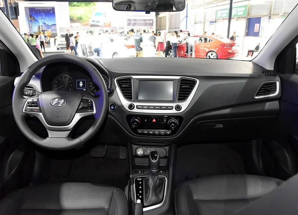 фото салона Hyundai Verna 2016-2017 года