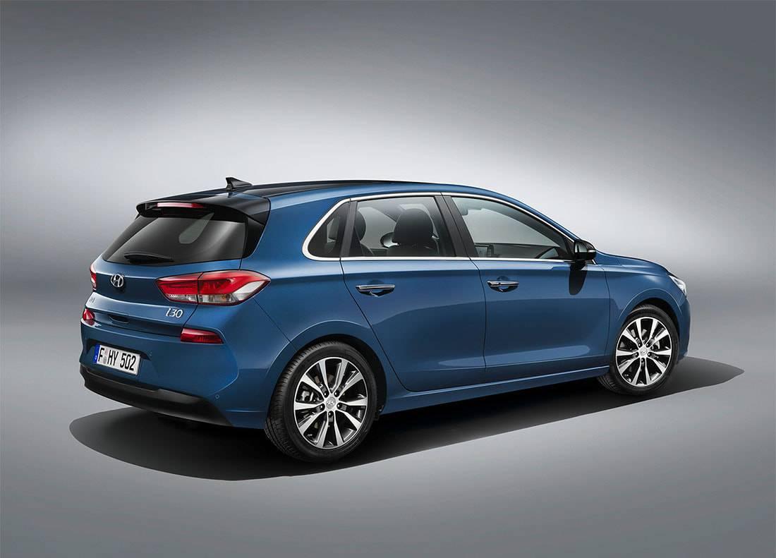фото Hyundai i30 2017-2018 вид сзади