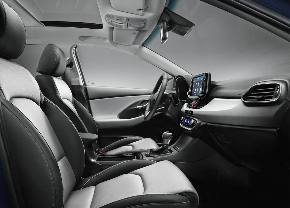 картинки интерьера Hyundai i30 2017-2018 года