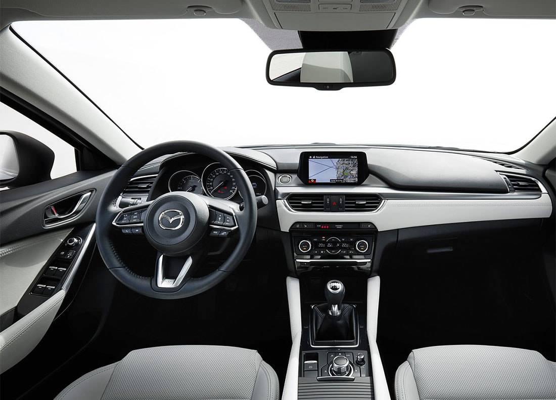 фото салона Mazda 6 2017-2018 года