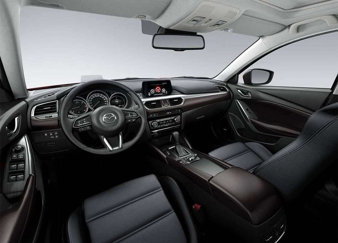 картинки салона Mazda 6 2017-2018 года