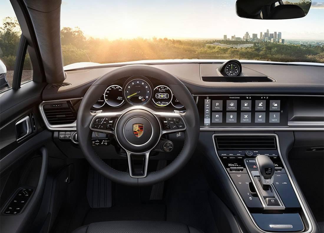 фото салона Porsche Panamera 4 E-Hybrid 2017-2018 года