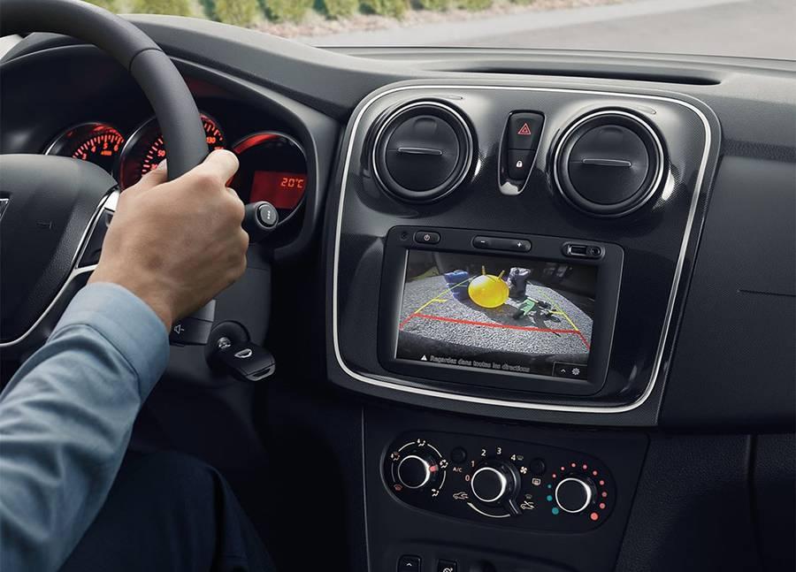 картинки интерьера Renault-Dacia Sandero 2017-2018 года