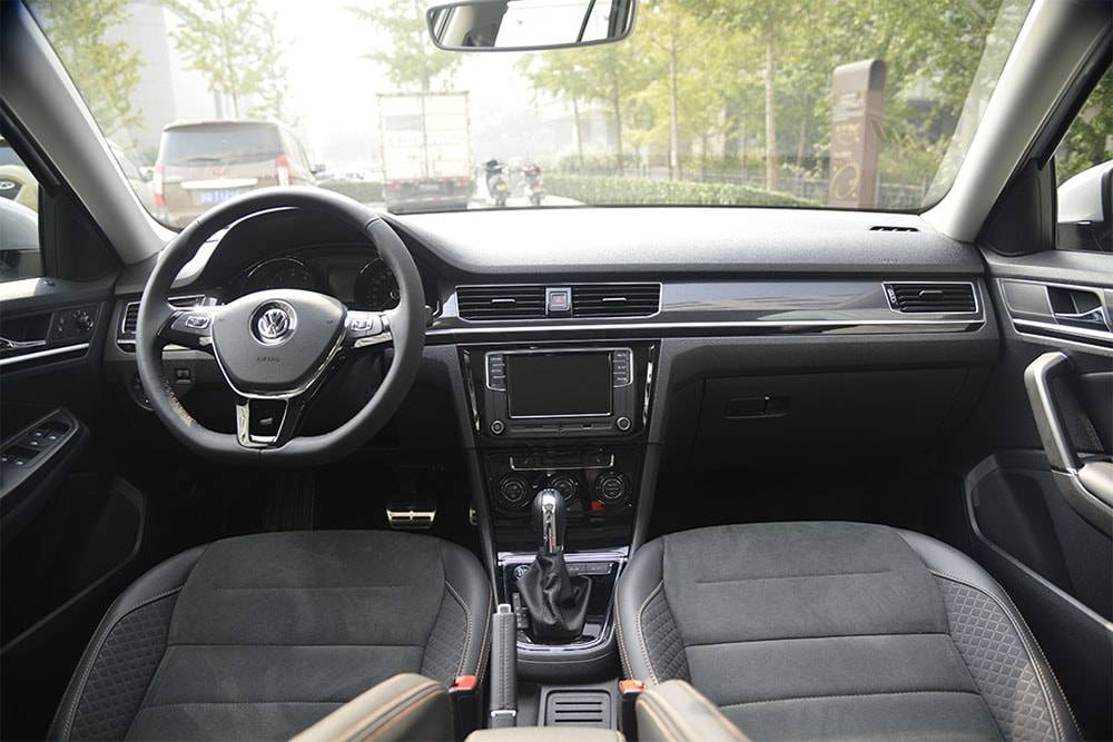 Фото салона Volkswagen Bora C-Trek 2017-2018 года