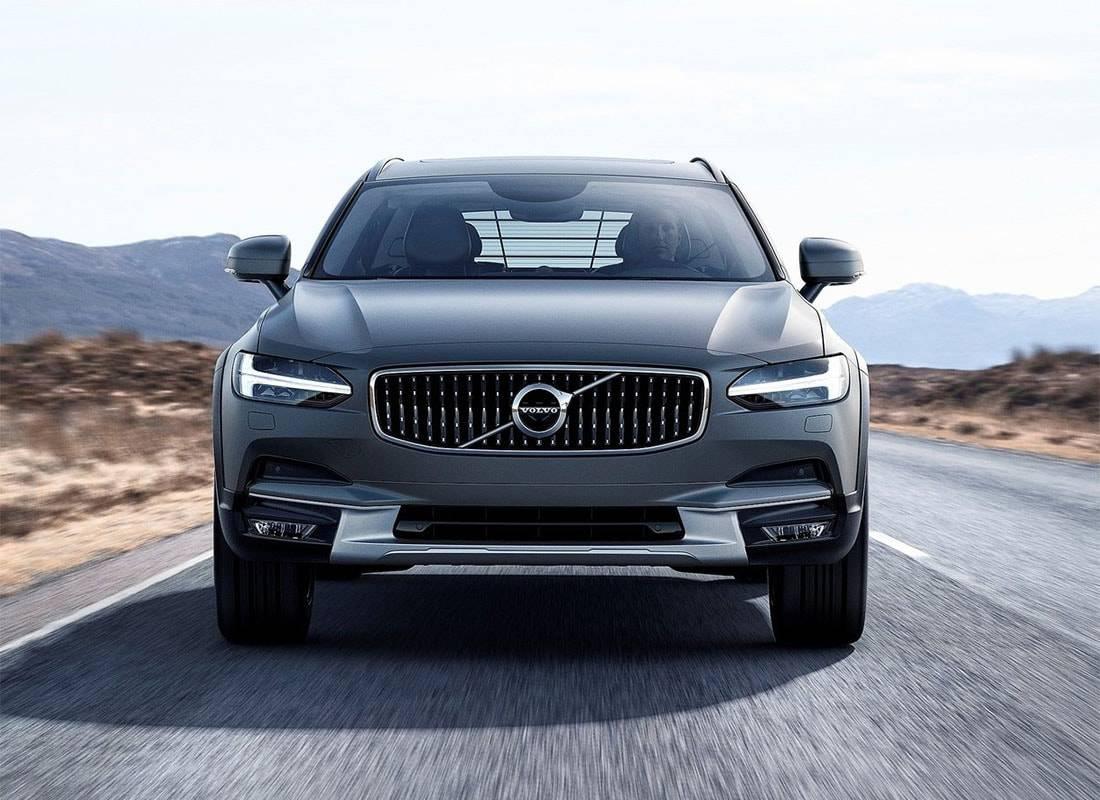 картинки Volvo V90 Cross Country 2017-2018 года вид спереди