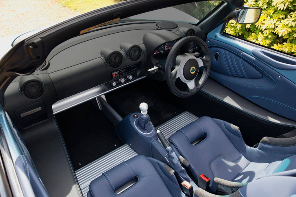 фото салона Lotus Elise 250 SE