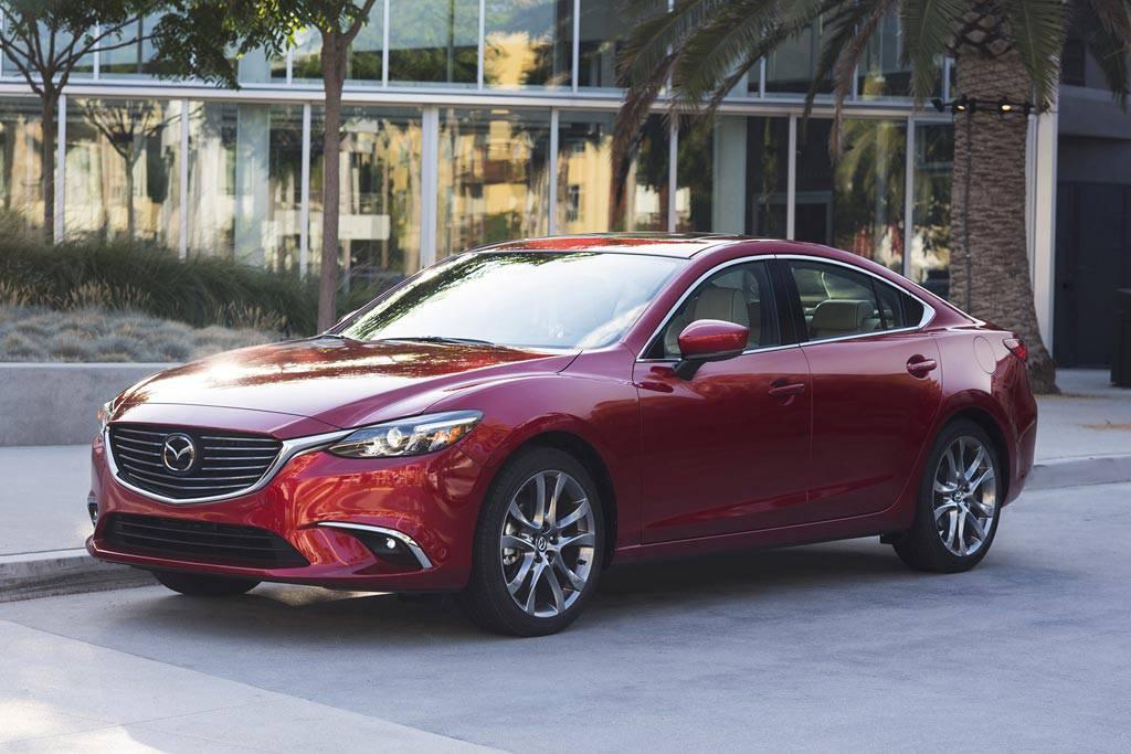 фото седана Mazda 6 2017 вид спереди