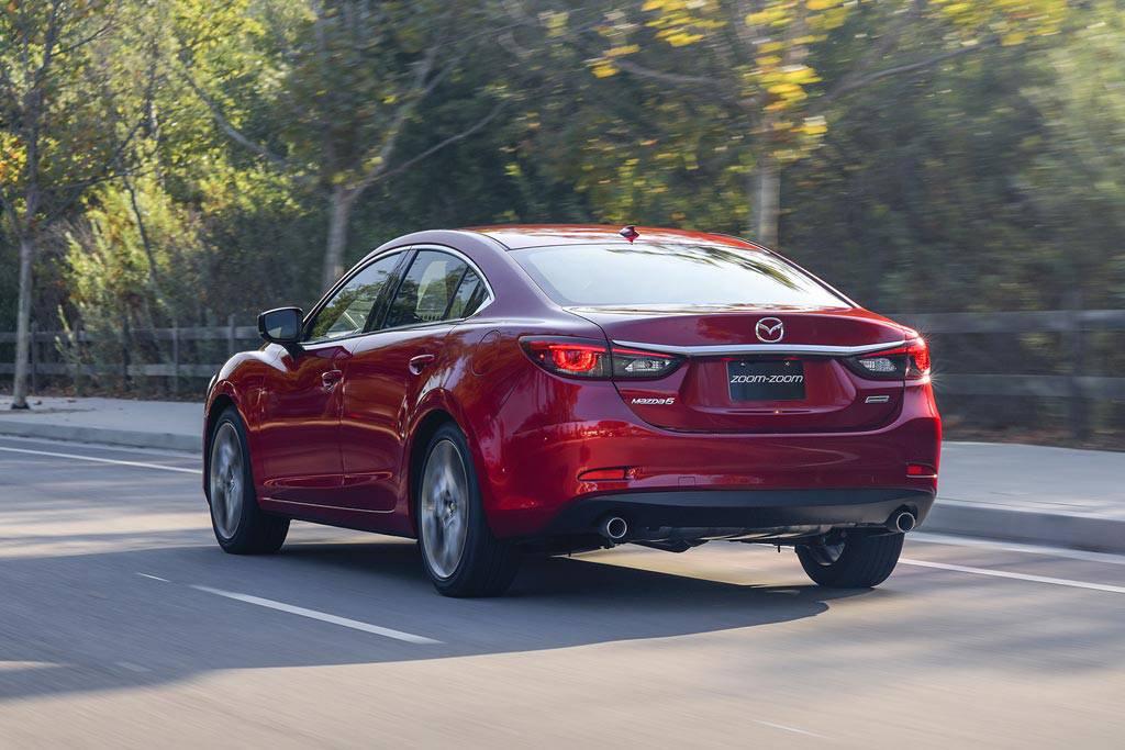 картинки седана Mazda 6 2017 вид сзади
