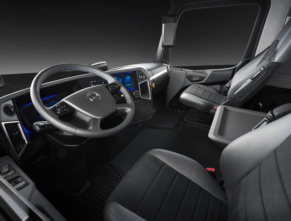 фото интерьера Mercedes-Benz Urban eTruck 2016