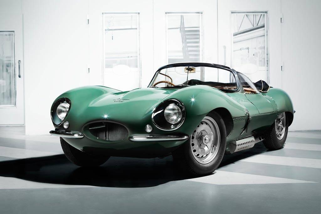 фото XKSS 1957 года от Jaguar вид спереди