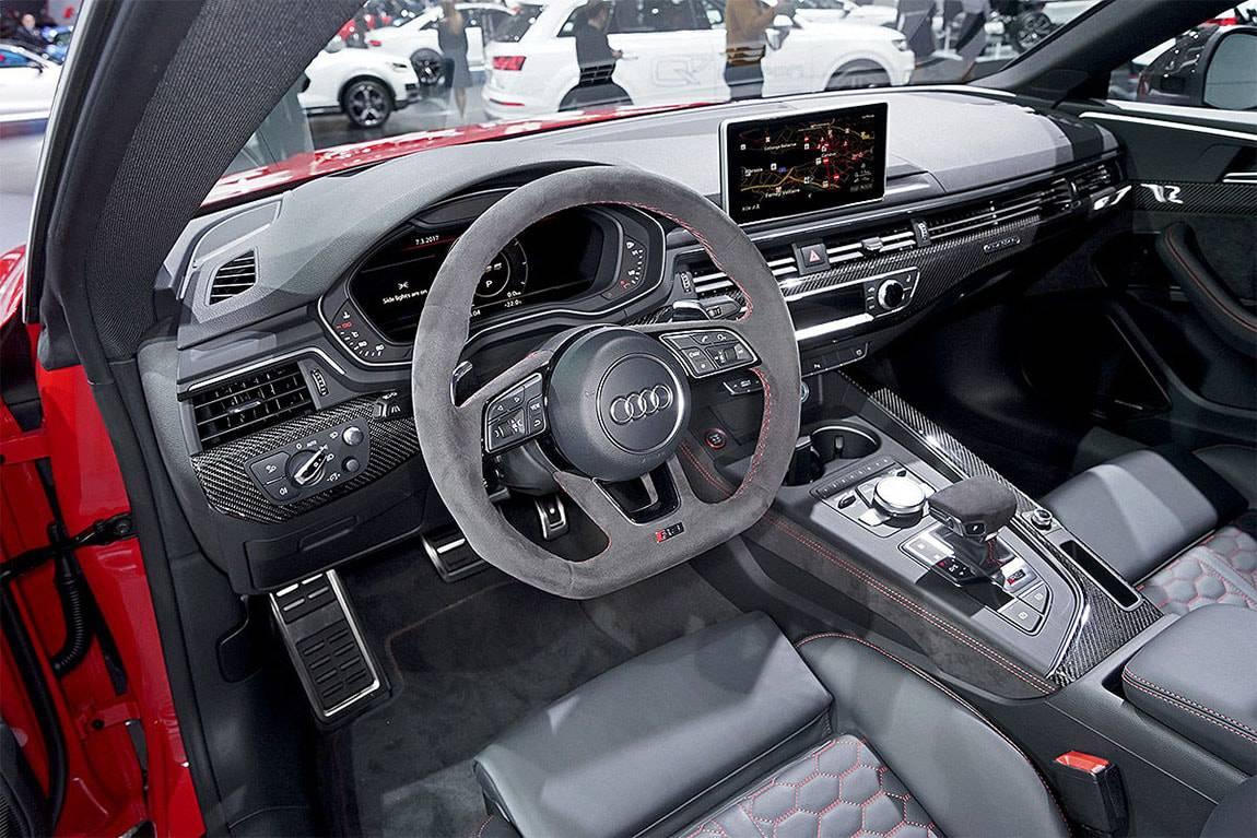 фото салона Audi RS5 Coupe 2017-2018 года