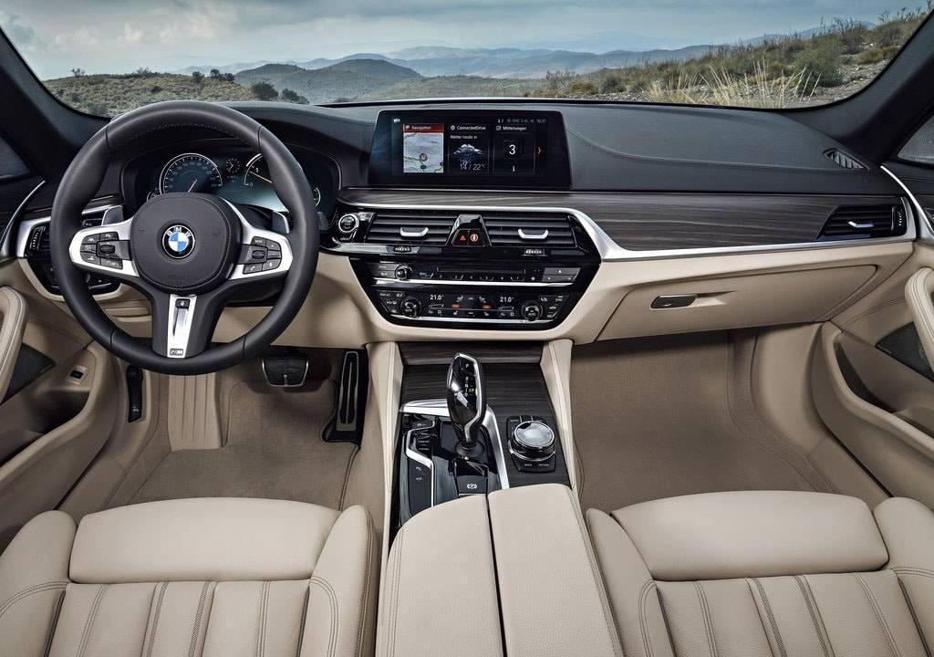 фото салона BMW 5-Series Touring 2017-2018