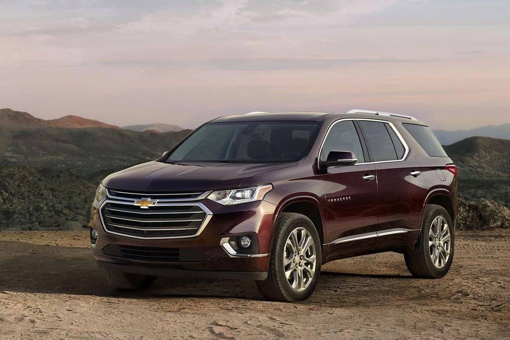 фото Chevrolet Traverse 2017-2018 вид спереди