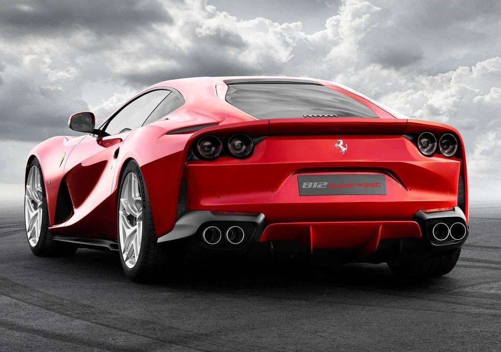 картинки Ferrari 812 Superfast 2017-2018 года