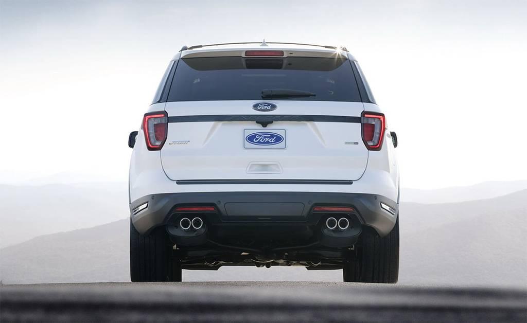 фото Ford Explorer 2018-201 года вид сзади