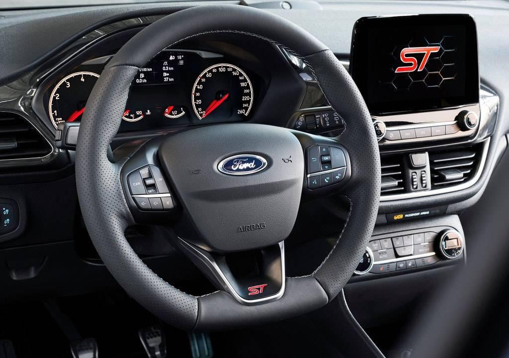 фото салона Ford-Fiesta ST 2017-2018 года