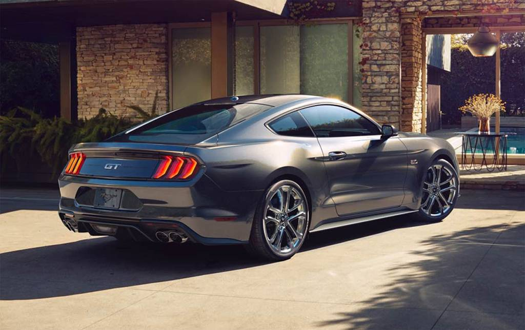 фото Ford Mustang 2017-2018