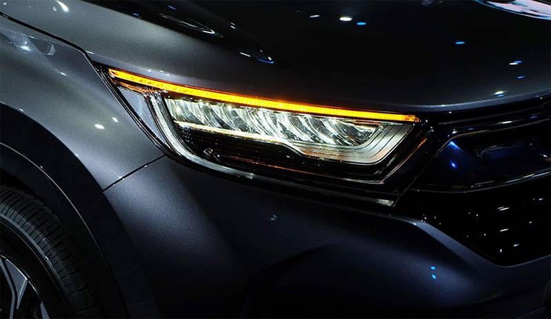 фото передних фар Honda-CR-V-7-2017-2018 года